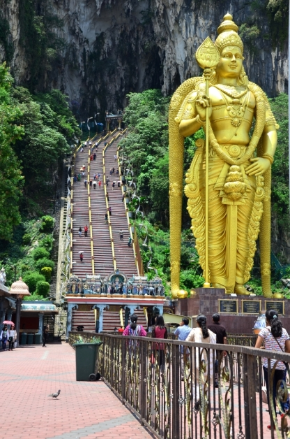 Hundreds of stairs, in front of the Murugan statue